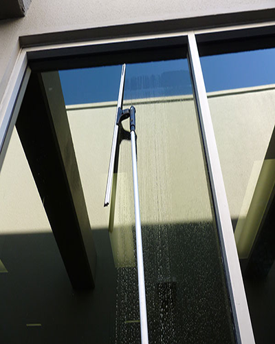 Window cleaning in noosaville